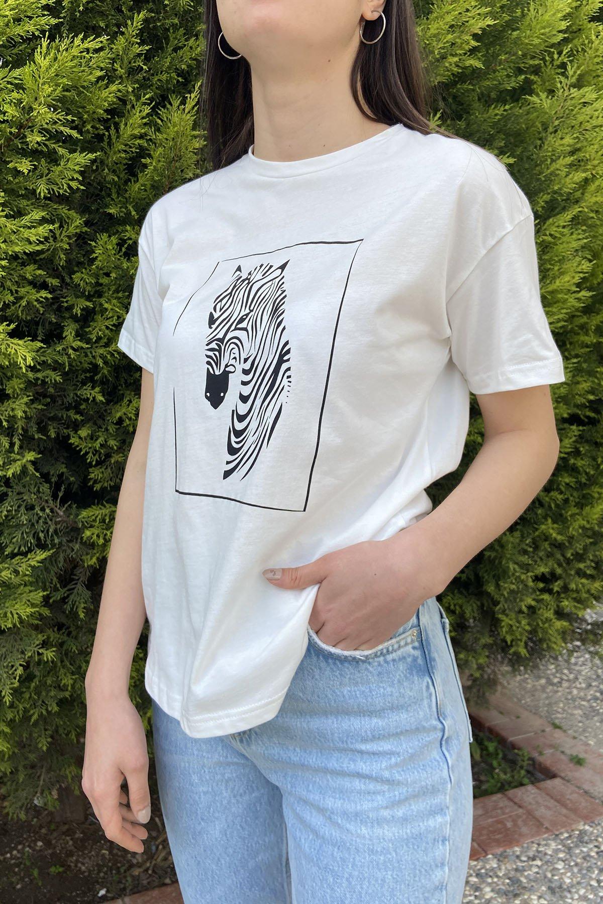 170 18959 Önü Zebra Baskı Tshirt
